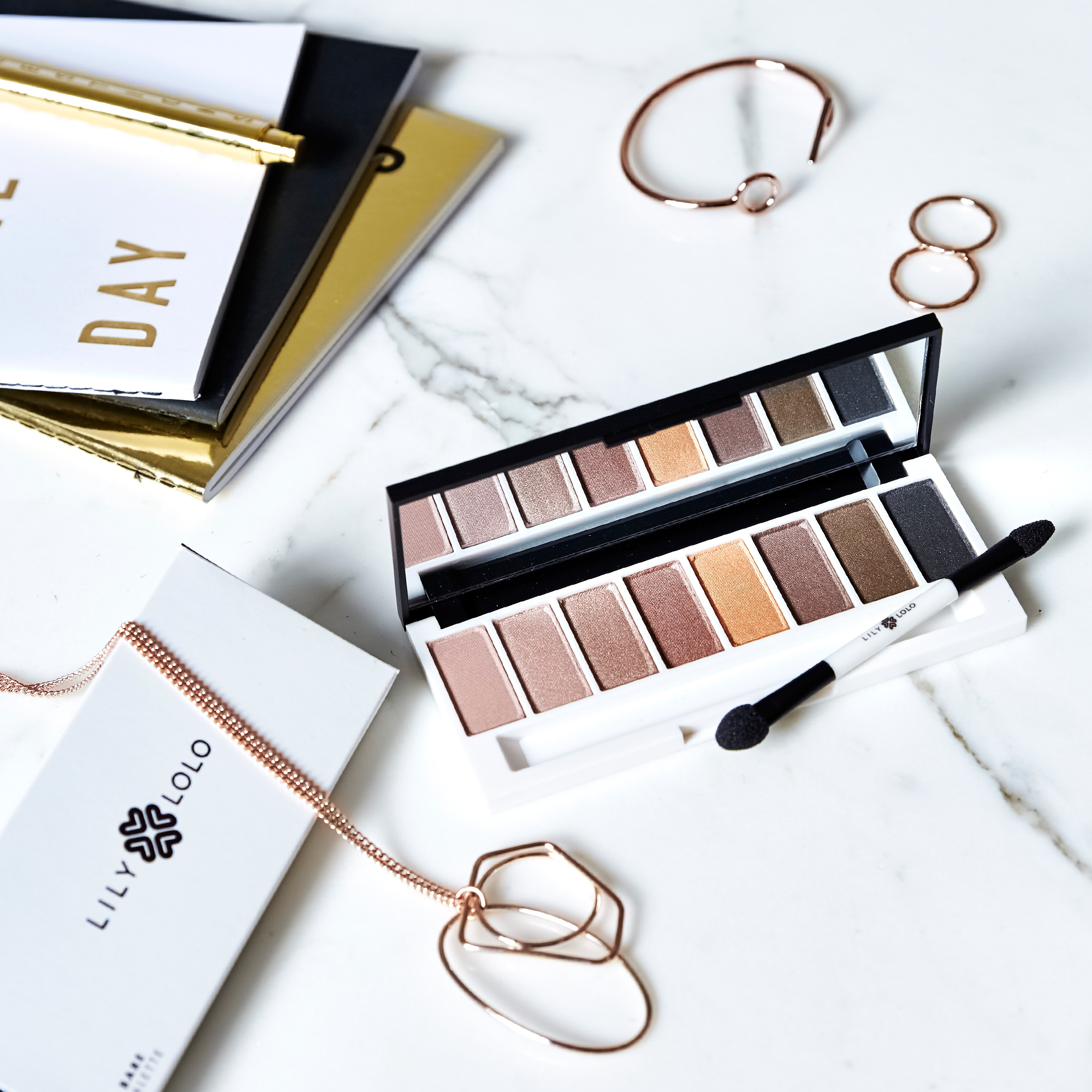 lily-lolo-eyeshadow-palette-laid-bare